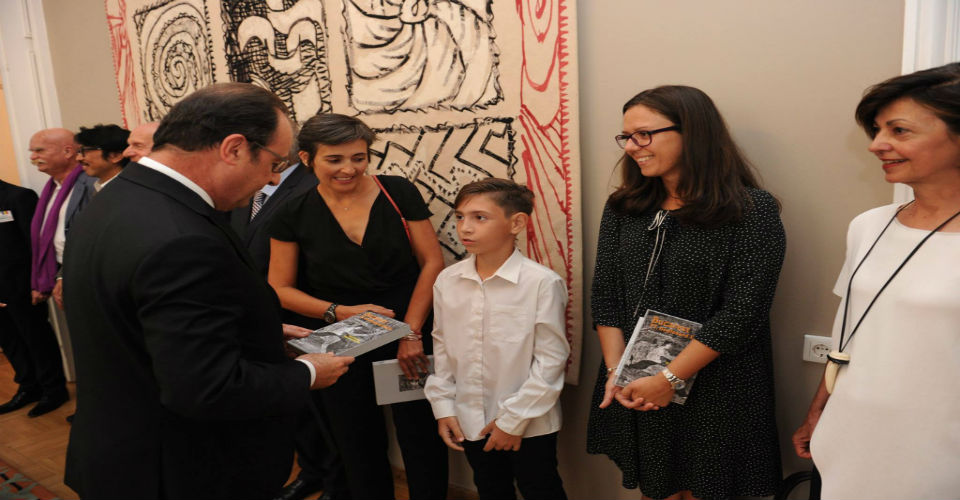 Ionut  prezinta cartea lui  Richard Edwards, Președintelui  Francois Hollande